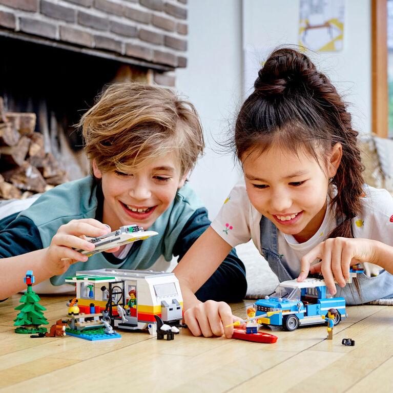 LEGO Creator Les vacances en caravane en famille 31108