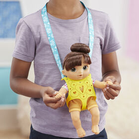 Littles by Baby Alive, Carry 'n Go Squad, Little Nadia Brown Hair Doll