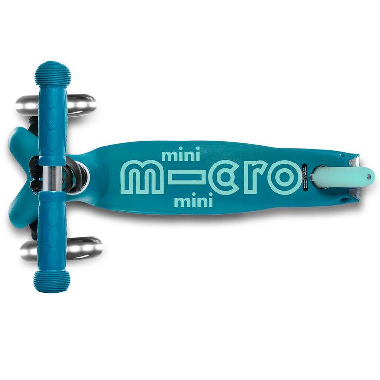 Micro Scooters Mini Micro Deluxe Led Kickboard Aqua