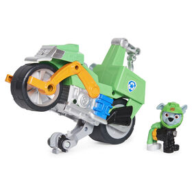 PAW Patrol, Moto Pups Rocky's Deluxe Pull Back Motorcycle Vehicle with Wheelie Feature and Figure