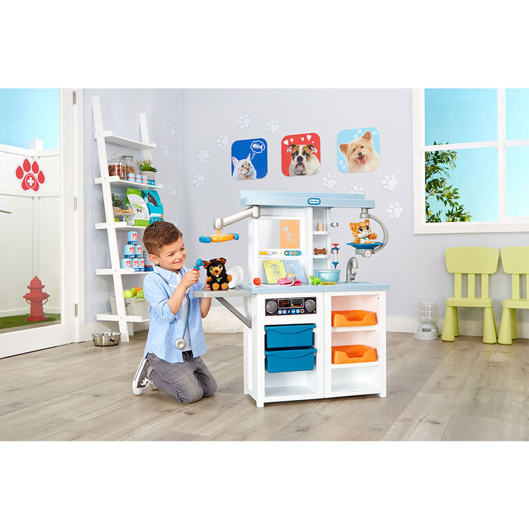 Little Tikes My First Pet Checkup Set Veterinarian Playset w/ Over 15 Accessories
