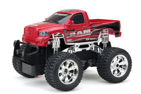 New Bright - 1:24 RC Hors route - Dodge Ram - rouge.