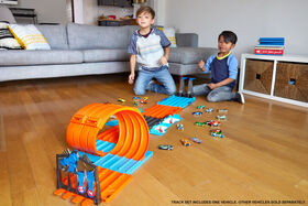 Hot Wheels Track Builder Race Crate