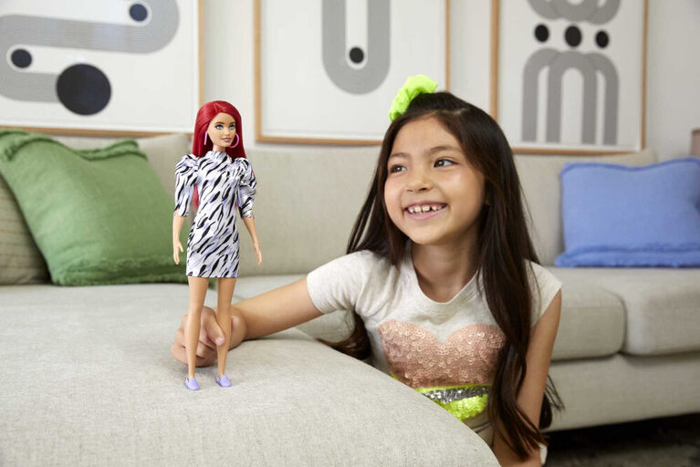 Barbie - Fashionistas - Poupée168, buste petit, cheveux longs roux