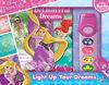 Petit Livre D'Aventure Avec Lampe De Poche Des Princesses De Disney - Édition anglaise