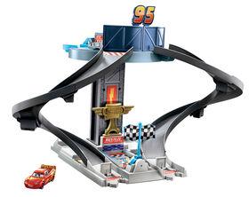 Disney/Pixar Cars Rust-eze Racing Tower