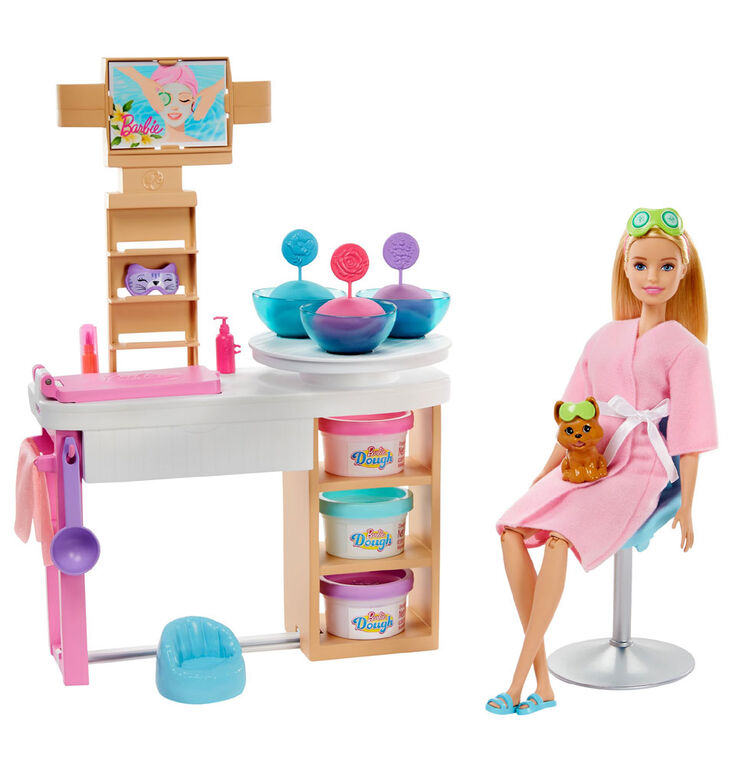 Barbie Face Mask Spa Day Playset, Barbie Doll, Puppy, Molding Toy & Dough