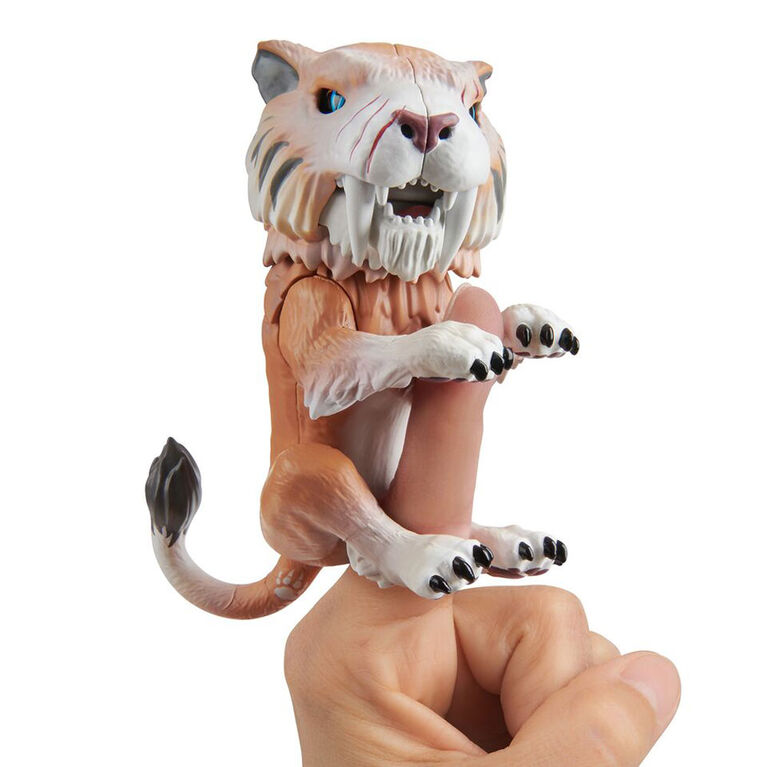 Fingerlings Untamed - Sabre Tooth Tiger - Bonesaw (Bronze)