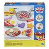 Play-Doh Kitchen Creations Flip 'n Pancakes Playset 14-Piece Breakfast Toy