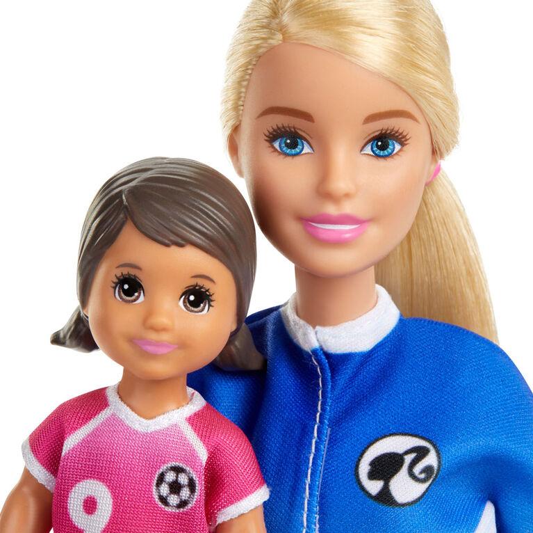 Coffret de jeu Barbie Entraîneuse de soccer avec 2 poupées et accessoires