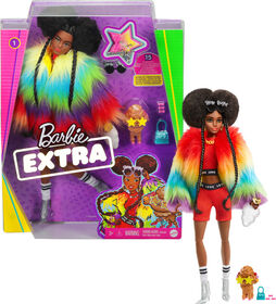 Barbie - Poupée Extra vêtue d'un manteau arc-en-ciel avec caniche