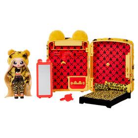 Jeu de sac à dos avec chambre à coucher Na Na Na Surprise 3 en 1 et Jennel Jaguar dans une tenue exclusive |sac pelucheux jaguar, véritable miroir, penderie avec tiroir, oreillers, couverture | pour les enfants de 5 ans et +