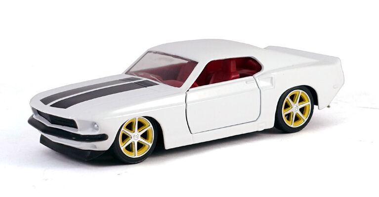 Fast Furious 1:32 Diecast Vehicle - Colours And Styles May Vary