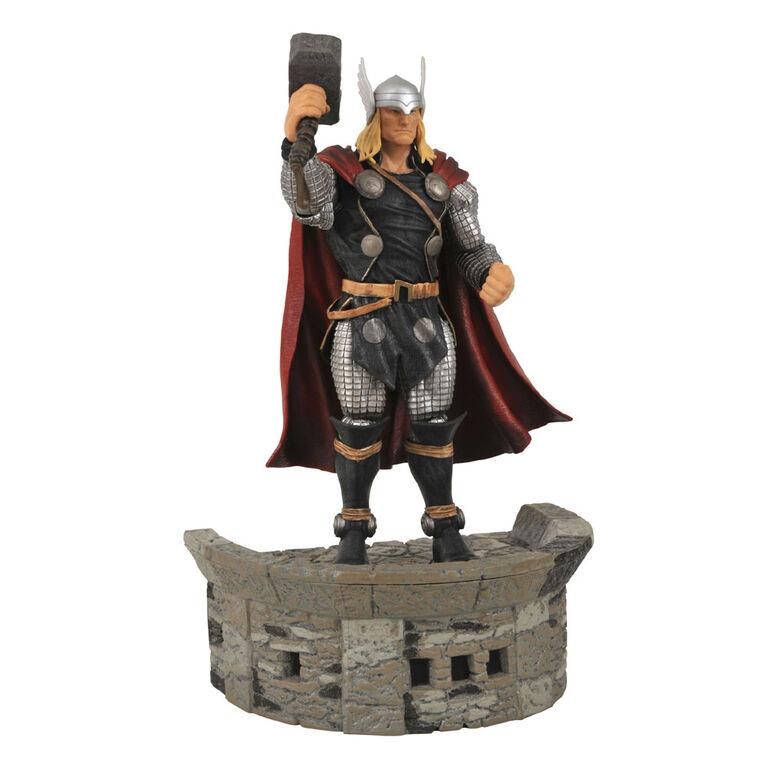 Figurine de Thor par Marvel Select.