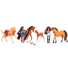 DreamWorks Spirit Riding Free Pasture Pals 13-Piece Doll & Horse Set - R Exclusive