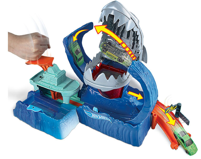 Hot Wheels Robo Shark Frenzy Playset