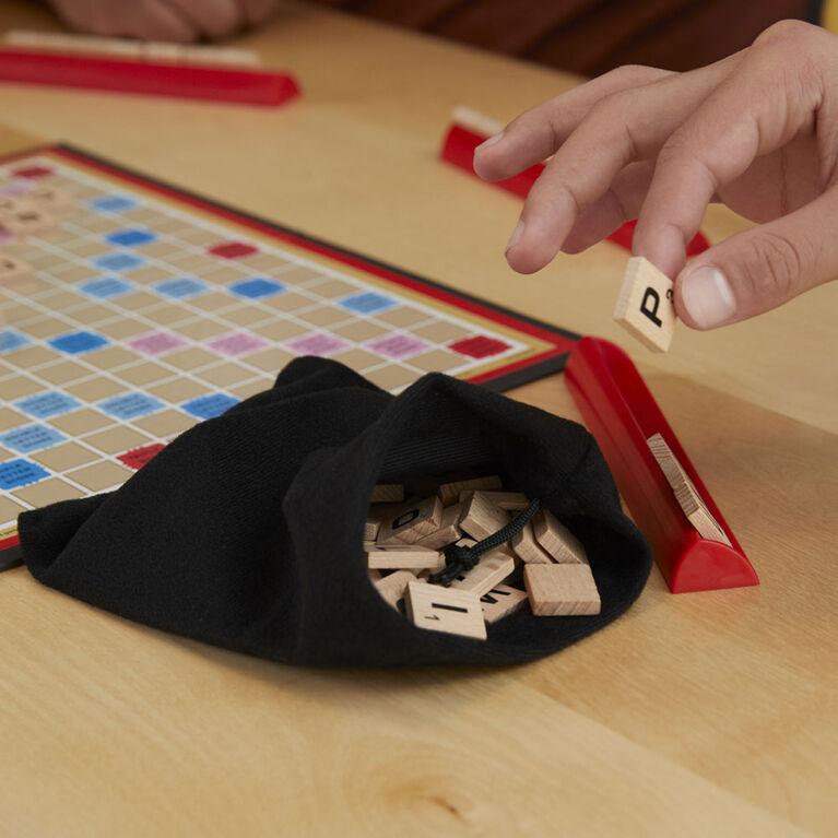 Hasbro Gaming - Jeu Scrabble - Édition anglaise - les motifs peuvent varier