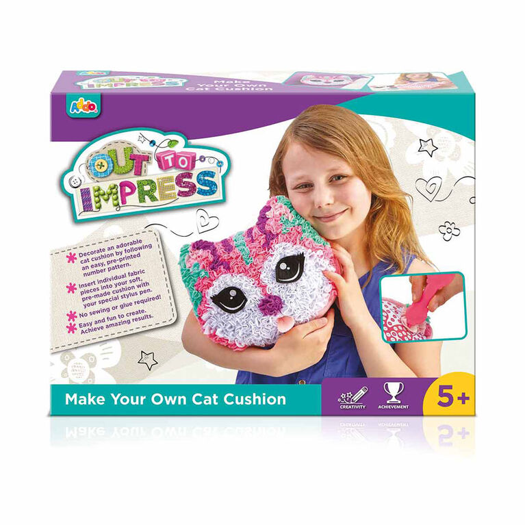 Out To Impress Make Your Own Dog or Cat Cushion  - English Edition - R Exclusive