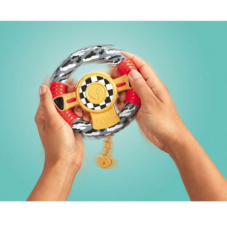 L.O.L. Surprise! RC Wheels - Véhicule télécommandé avec poupée de série limitée
