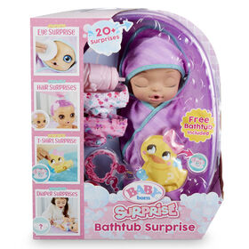 Princesse dans un emmaillotement violet Baby born Surprise Bathtub Surprise