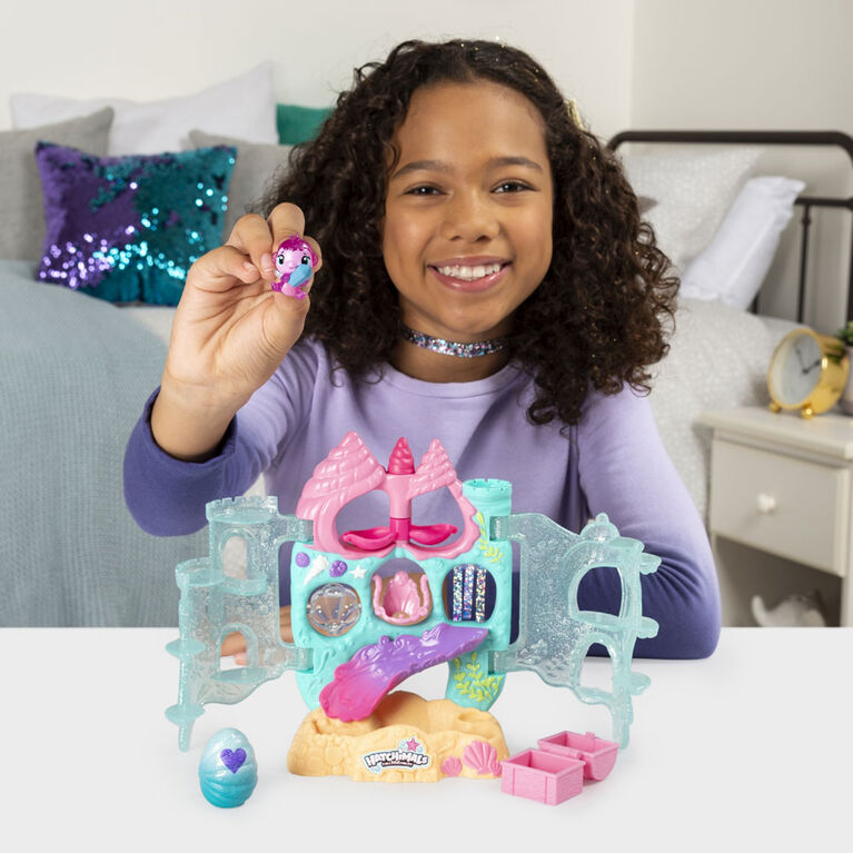 Hatchimals CollEGGtibles, Coral Castle Fold Open Playset with Exclusive Mermal Magic Hatchimals
