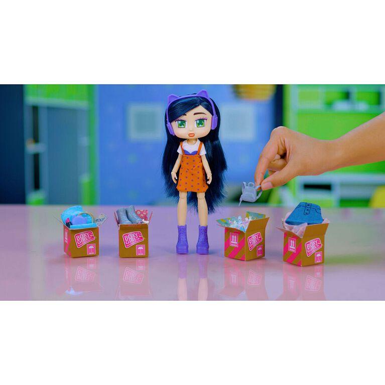 Boxy Girls - Riley.