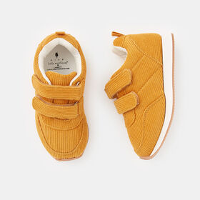 everyday sneaker, size 10 - Yellow