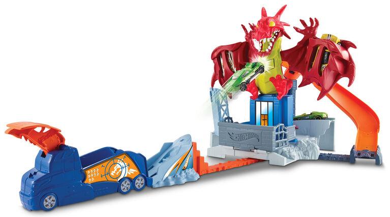 Hot Wheels Dragon Blast Playset with 18 Cars.