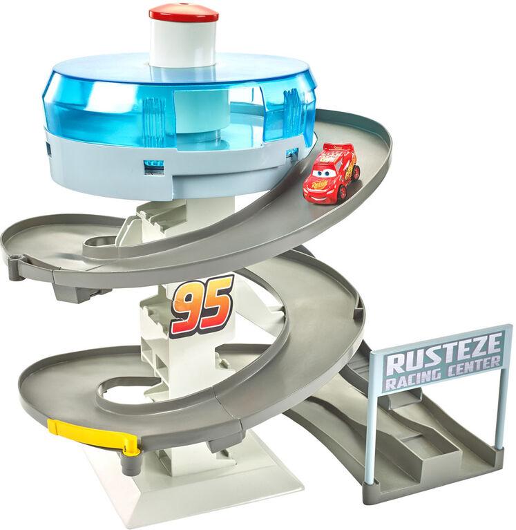 Disney/Pixar Cars Mini Racers Rust-eze Spinning Raceway - English Edition