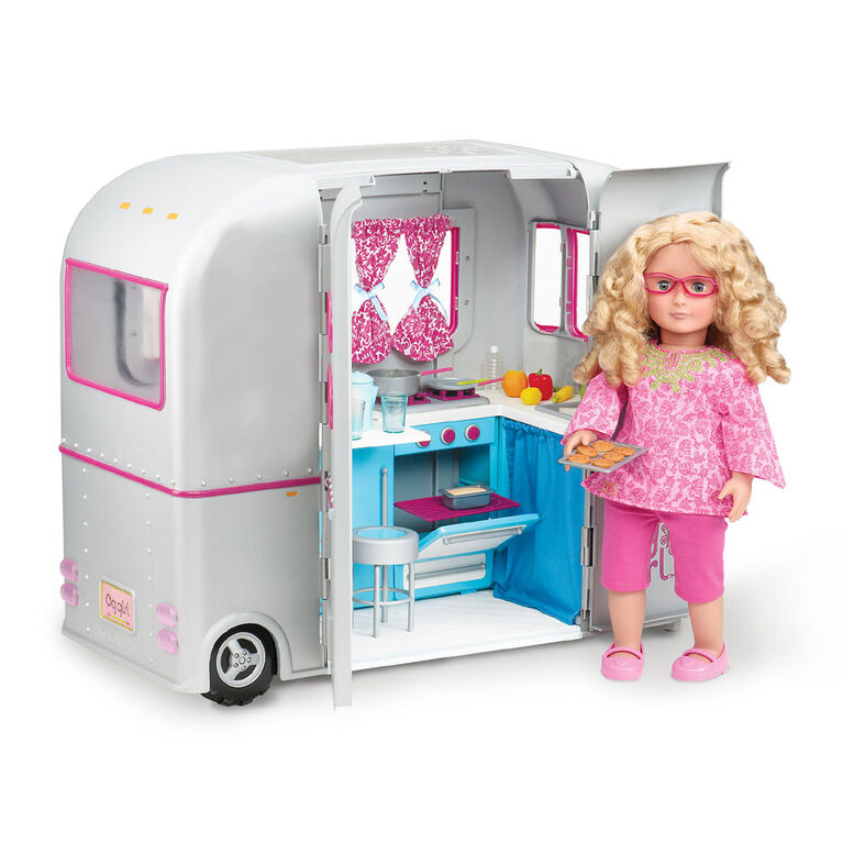 Our Generation, R.V. Seeing You Camper Play Food Set for 18-inch Dolls