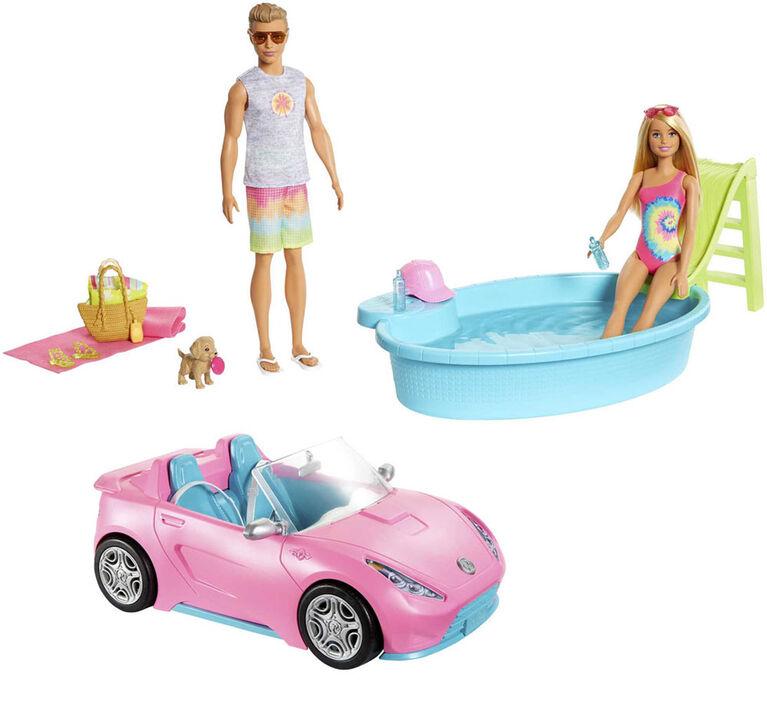 Barbie - Coffret cadeau avec voiture décapotable, piscine, poupées Barbie et Ken en maillot de bain