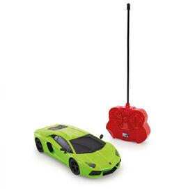 Voiture téléguidée 1/24 Lamborghini Aventador Coupe - Notre exclusivité - Les couleurs et les styles peuvent varier - un par achat