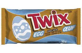 Oeuf de Pâques avec biscuit au chocolat Twix - Articles vendus individuellement. Les personnages peuvent varier