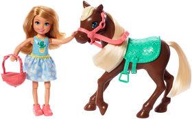 Poupée Barbie Club Chelsea et Cheval, Vêtue d'une tenue et d'accessoires