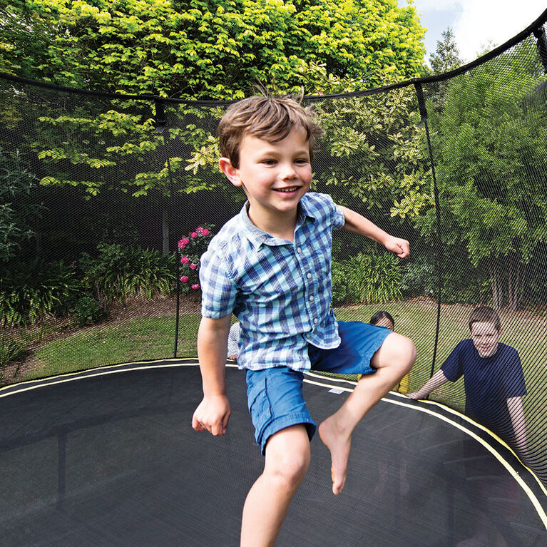 Springfree 10 ft Medium Round Trampoline with Safety Enclosure