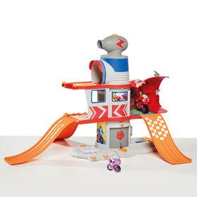 Ricky Zoom: Assemblage d'Aventure à la Maison de Ricky - Siège de Sauvage avec Plusieurs Niveaux, son, les Rampes, un Lanceur de Bicyclette et plus - Inclut les figurines de taille 3po - Notre exclusivité