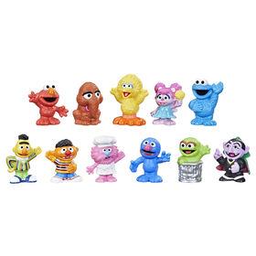 Sesame Street, Ensemble de figurines de luxe, inclut 11 figurines à collectionner  - Notre exclusivité