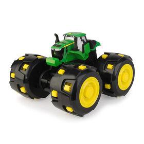 Tracteur Monster Treads John Deere Tough Treads.