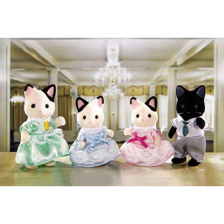 Calico Critters - Tuxedo Cat Family