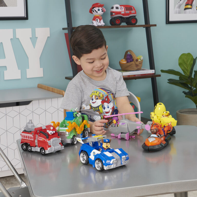 PAW Patrol, Rocky's Deluxe Movie Transforming Toy Car with Collectible Action Figure