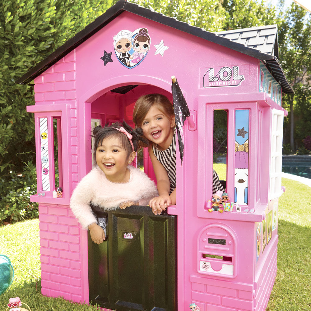 Surprise Indoor and Outdoor Cottage Playhouse with Glitter L.O.L