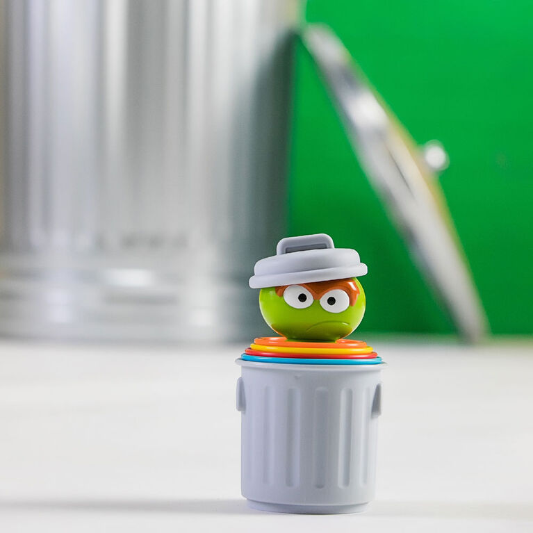 Oscar the Grouch's Stacking Cans