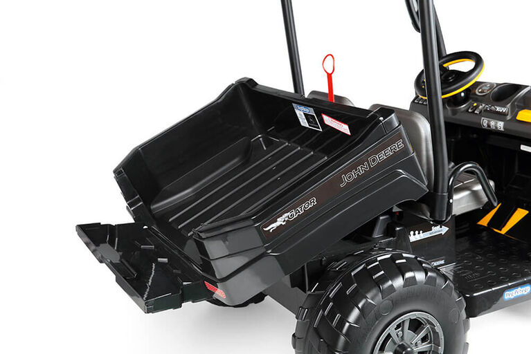 Peg-Perego John Deere Gator XUV-550 Midnight Black Edition.