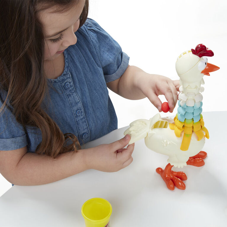 Play-Doh Animal Crew Cluck-a-Dee Feather Fun Chicken