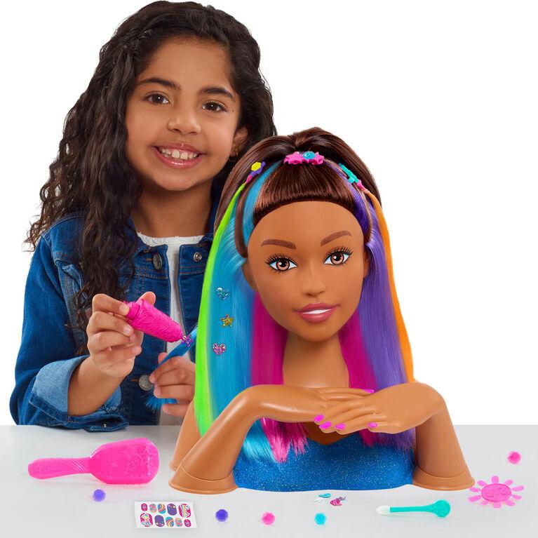 Tête de Coiffure De Luxe Barbie Arc-En-Ciel Brillante - Cheveux Marrons - Notre exclusivité