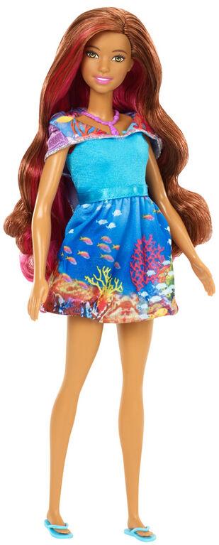 Barbie - La Magie des Dauphins - Poupée Sirène Isla Transformable.