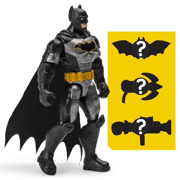 BATMAN, Figurine articulée BATMAN Renaissance tactique de 10 cm avec 3 accessoires mystère, Mission 2