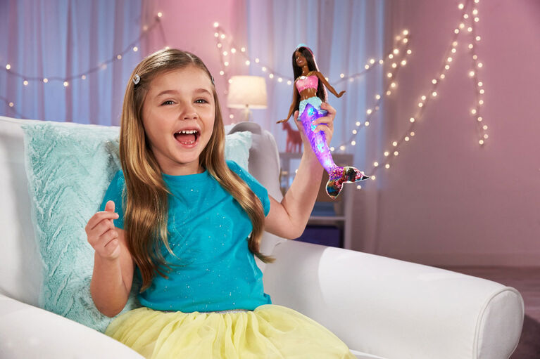 Barbie Dreamtopia Sparkle Lights Mermaid Doll with Swimming Motion and Underwater Light Shows, approx 12-inch with Pink-Streaked Brunette Hair