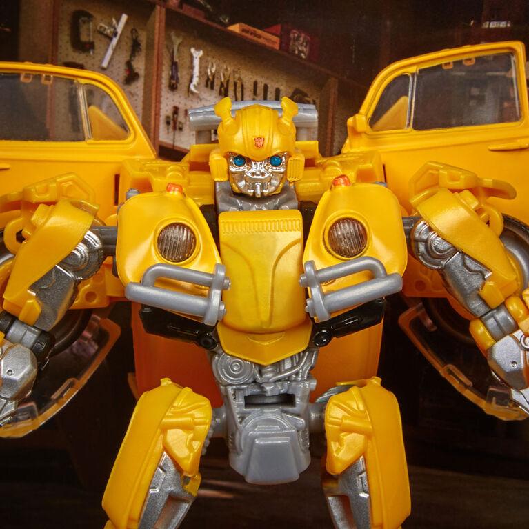 Transformers Studio Series 18 Deluxe Transformers: Bumblebee - Bumblebee