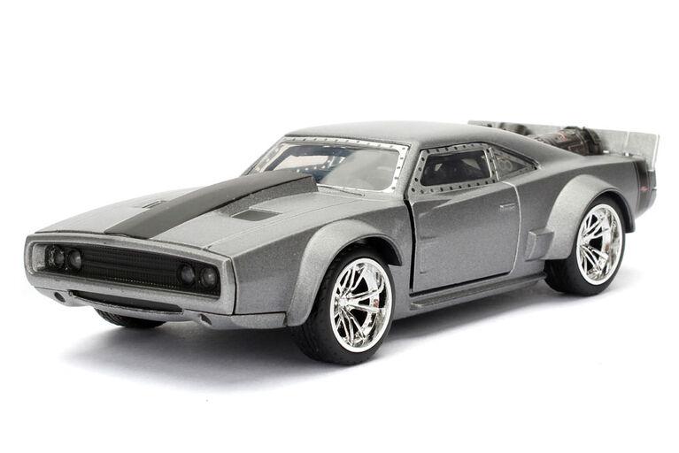 Fast Furious 1:32 Diecast Vehicle - Les couleurs et les motifs peuvent varier